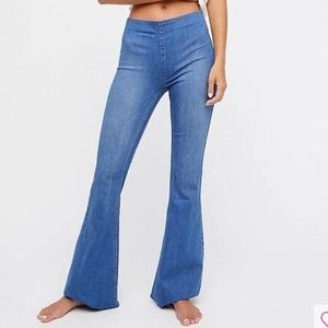 FREE PEOPLE Elastic Waist Penny Pull On Flare Jean